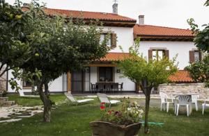 http://oferplan-imagenes.diariosur.es/sized/images/casa_de_la_cadena_1475165890-300x196.png